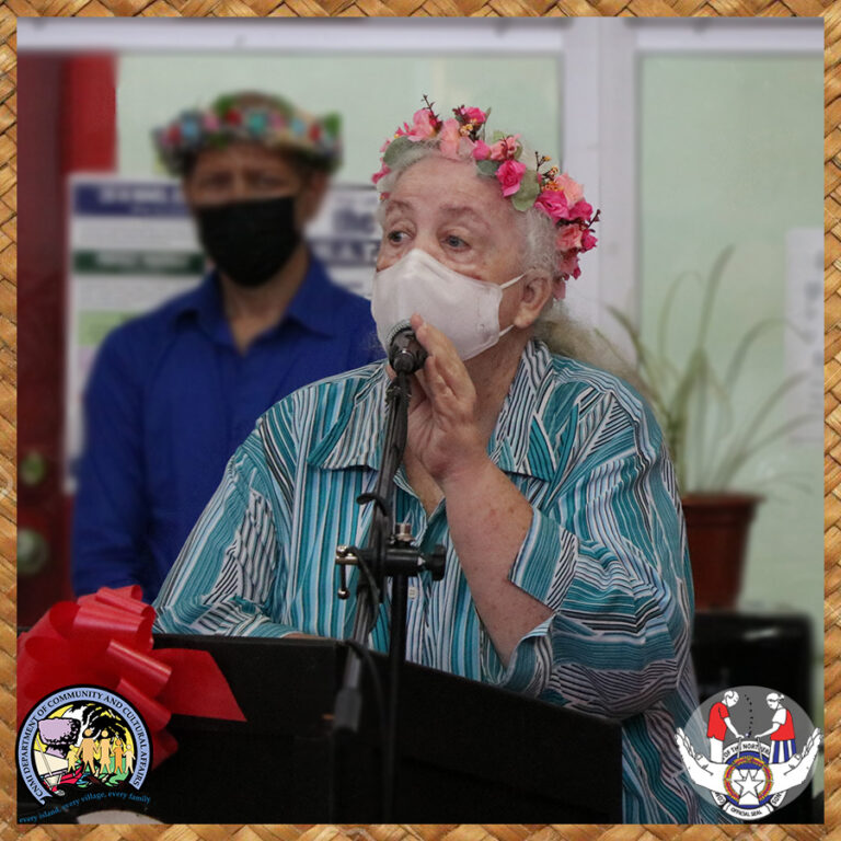 Nana, 2019 Man'amko Queen, welcomes the crowd and, thus, begins the ceremony